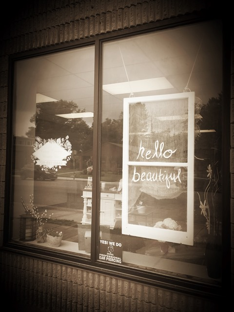 Full size lightbox of Cottage Country Beauty Bar image 2